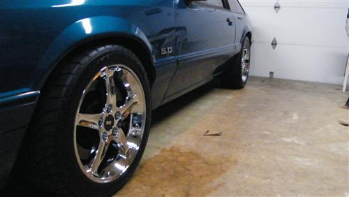 Mustang Cobra R Wheel & Tire Kit - 17x9 Chrome (94-04)